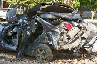 カービューには事故車を買取してくれる専用ページがあるので廃車費用が無料